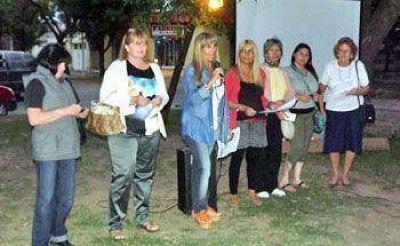 """Con un acto en el """"Puente de la Mujer"""" se recordó a las víctimas de femicidio"""