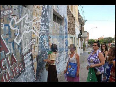 Pintaron los nombres de las v�ctimas de femicidios en Entre R�os en 2012