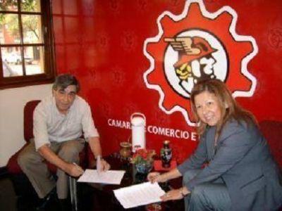 La CCIP firmó un convenio para dar descuentos a más de 12 mil empleados públicos