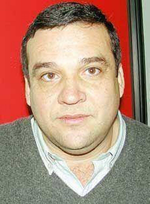 """Osvaldo Zárate: """"Es necesario aumentar los salarios de urgencia""""."""