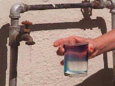 Aflige la falta de agua y los problemas de seguridad