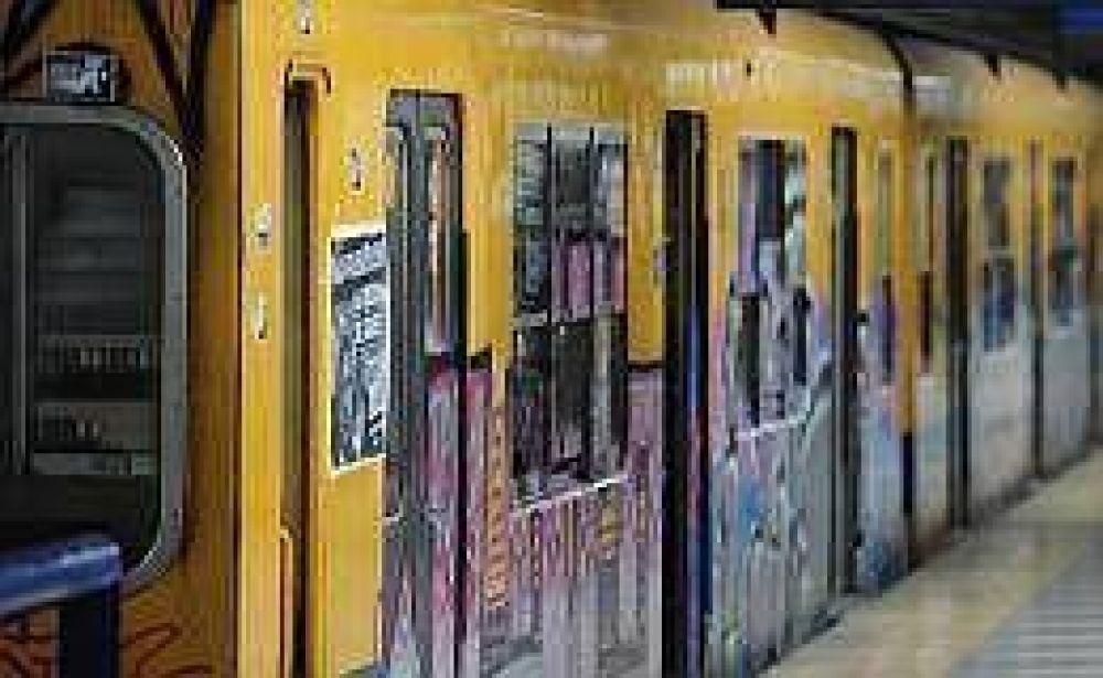 Metrodelegados se reúnen con Metrovías y amenazan con paro