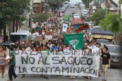 """Lanzan el """"plan de lucha"""" contra la megaminería"""