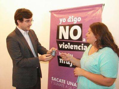 Ghi entreg� dispositivos para v�ctimas de violencia conyugal