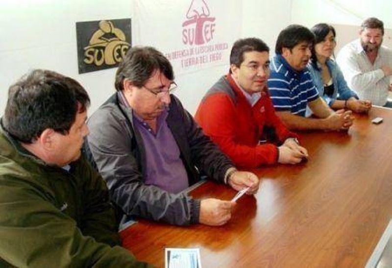SUTEF, SEJUP, la agrupación ANUSATE y la CTA repudiaron la decisión de ATE