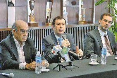 Ezpeleta confirmó que el MotoGP vendrá en abril de 2014 y elogió las obras del Autódromo