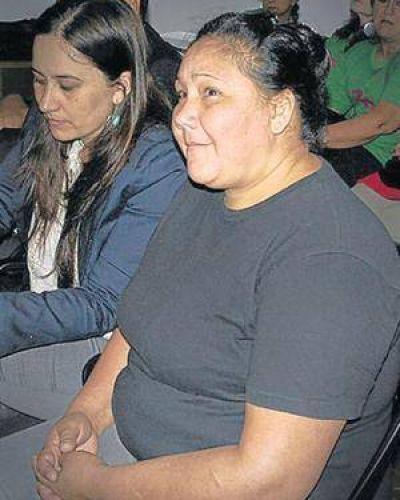 Absuelven a la mujer acusada de dejar morir a su hija en Misiones