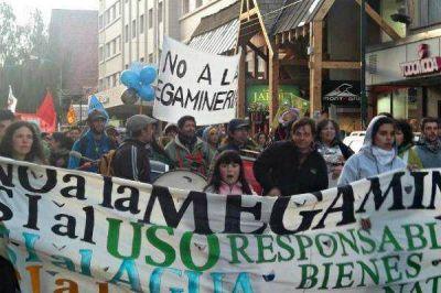 Marcharon contra la Megaminería y la violencia