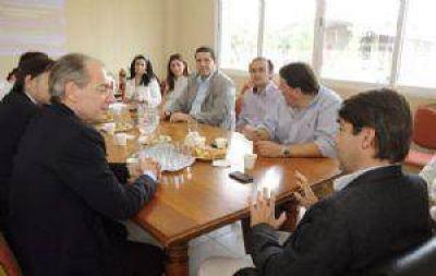 Reunión con funcionario nacional