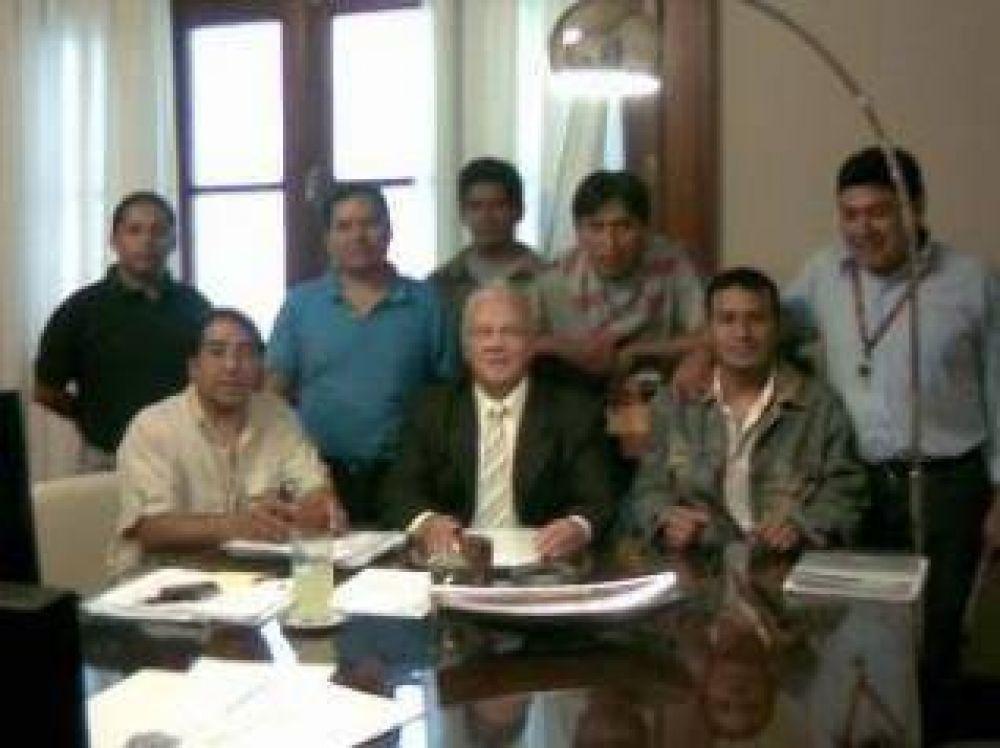Reincorporan trabajadores no docentes de la UNJu.