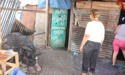 Pirayuí: carpas destruidas y familias en el barro