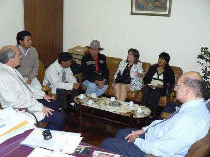 Acuerdan actividades de capacitación para concejales y vocales de la Quebrada.