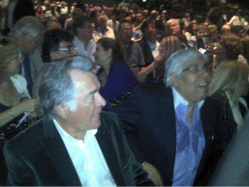 La primera foto de Moyano y Barrionuevo para una alianza gremial anti K