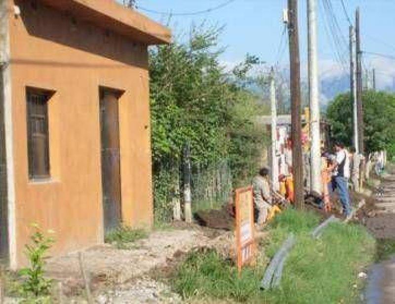 Red de agua potable en Barrio Santa Rita.