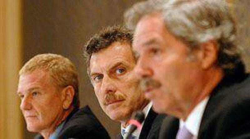 De Narváez mantuvo un encuentro con Solá, en el Parlamento