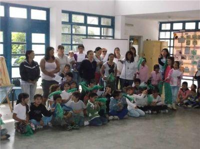 El Centro Educativo Complementario Nº 802 realizó la muestra anual estática y dinámica