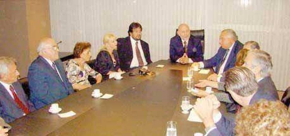 Insfrán recibió en Casa de Gobierno a ministros del STJ y magistrados del país que asisten a jornadas jurídicas.