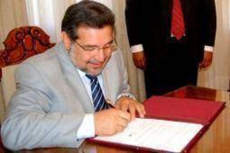 Por decreto urgente, La Rioja adhirió a la coparticipación de la soja