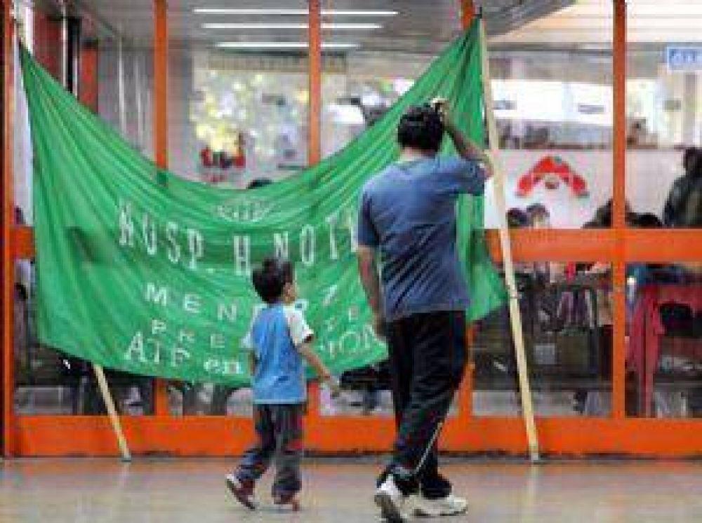 El paro no afectó servicios en los hospitales y ATE continúa con la protesta