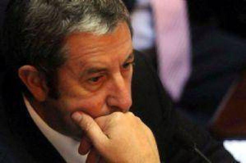 Cobos no vendrá a Mendoza hasta que haya paz en ConFe