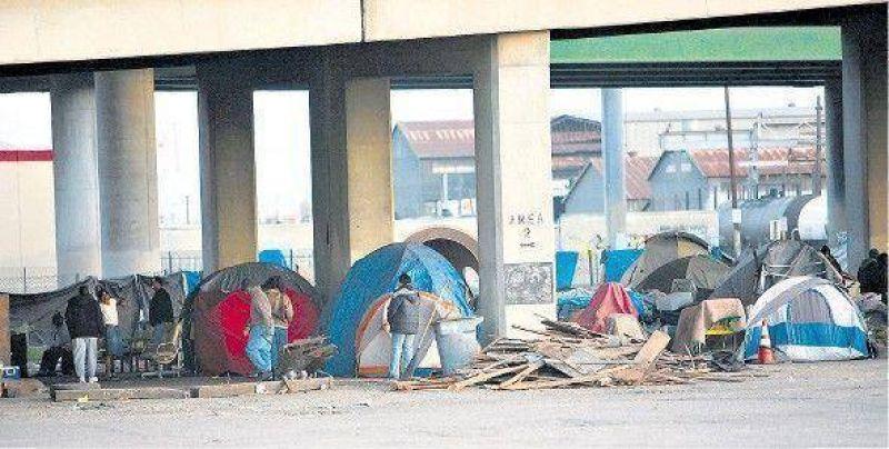 """""""Ciudades carpa"""", otra cara de la crisis"""