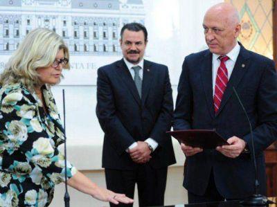 Balagué asumió en Educación con señales de diálogo a los docentes