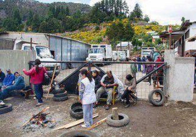 Municipales bloquearon corralón en San Martín