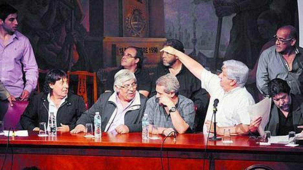 Moyano, Micheli y Barrionuevo marcharán juntos a la Plaza de Mayo
