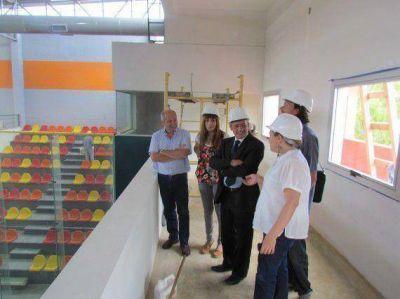 El ministro Emer visitó la Estación de Interconexión Regional de Ómnibus y el Trinquete Modelo De Pelota Vasca