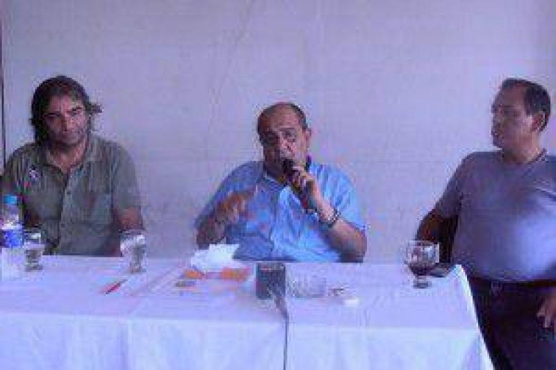 """Moisés habló del reclamo de remiseros y dijo que, """"son grupos mafiosos que hay en San Pedro de Jujuy"""""""