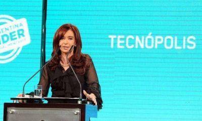 Buzzi participa junto a Cristina de la Expo Industria de Petróleo de la Nación
