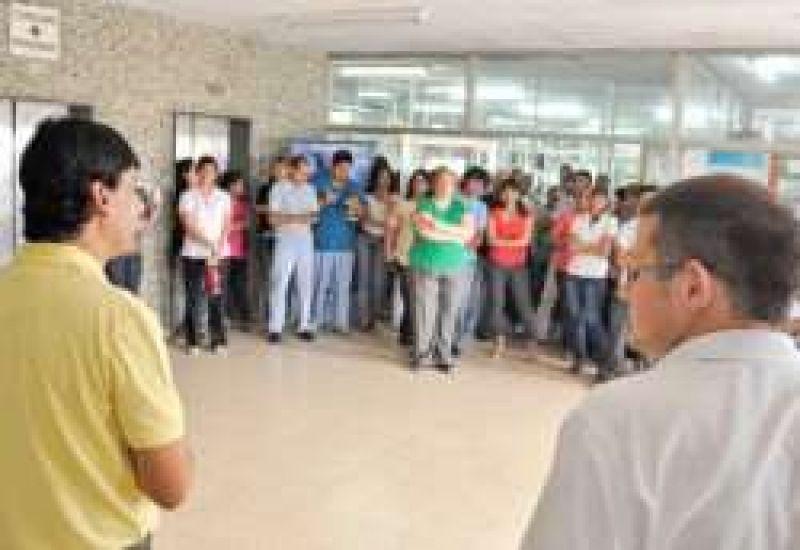 Paros por 48 horas en Salud Pública y el Ministerio de Gobierno