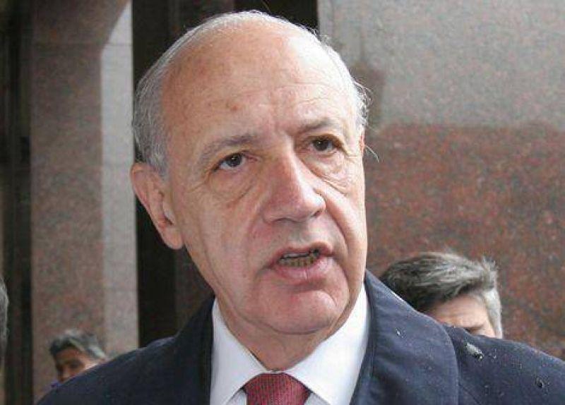 """Lavagna: """"Argentina se debate en políticas populistas, facilistas y ortodoxias económicas"""""""