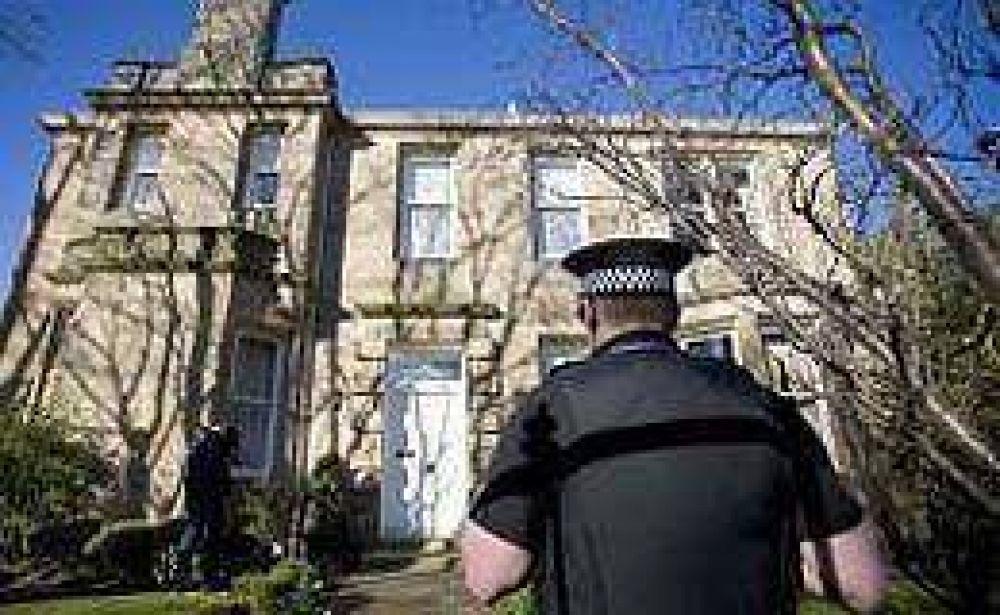Gran Bretaña: banqueros contratan guardaespaldas por actos de vandalismo