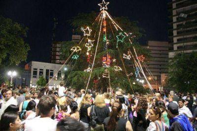 """La Jefa Comunal Giroldi encabeza hoy el encendido del """"Arbol de Navidad"""""""