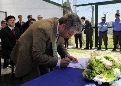 Las aberturas de 50 casas del Plan Solidaridad serán fabricadas por internos del Servicio Penitenciario