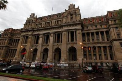 El Gobierno apuró a la Corte para que decida sobre el caso Clarín
