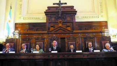 La Corte resolvería entre lunes y martes el reclamo oficialista
