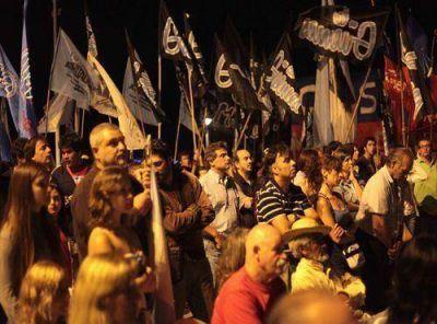 Pulti participó de los actos en apoyo al gobierno nacional