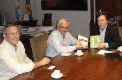 Bevilacqua se reuni� con dirigentes seccionales: Extiende su poder pol�tico territorial
