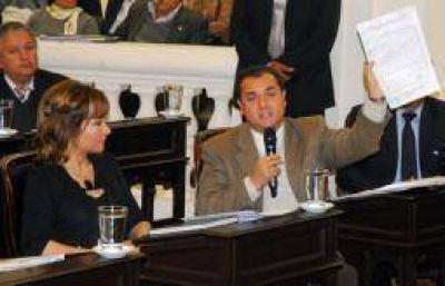 Critican al quintelismo por votar a favor del Presupuesto Provincial 2013