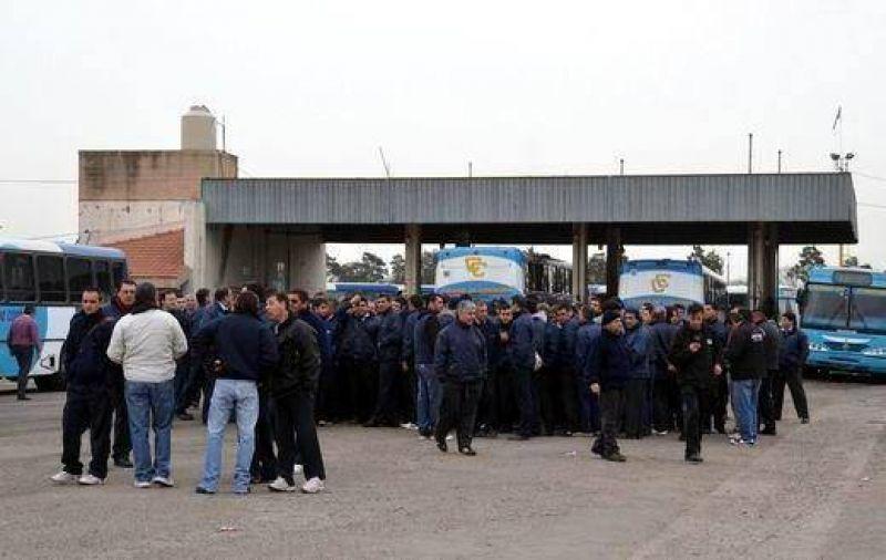 UTA exige 835 colectivos para garantizar la fuente laboral de todos sus choferes