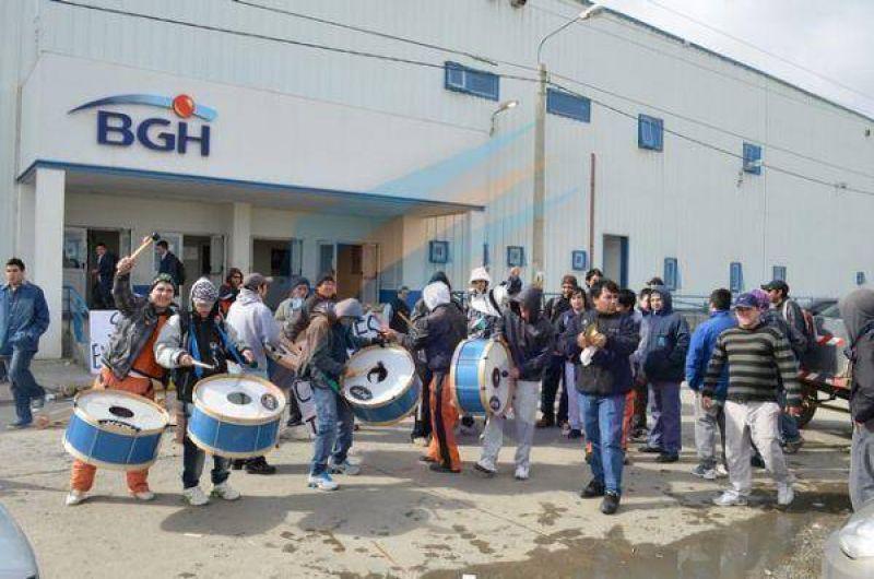 Empleados de limpieza de paro en BGH por incumplimientos salariales