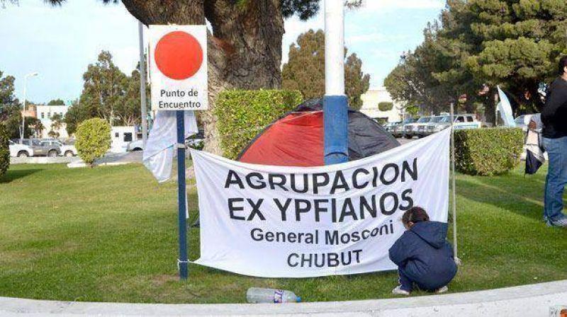 Ex agentes de YPF levantaron su campamento en Kil�metro 3
