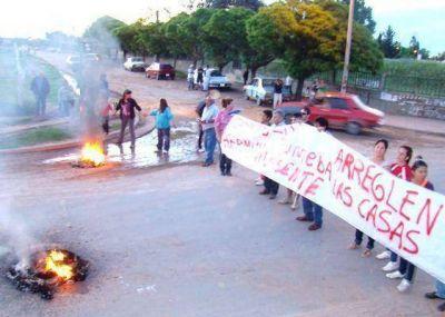 """Fiscal pide investigar a más funcionarios por """"malversación de fondos"""" por el Promeba"""