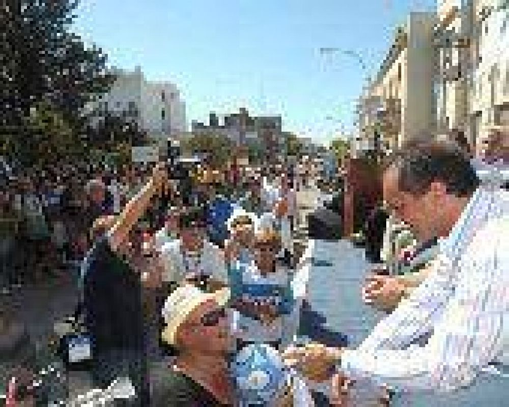 El Gobernador destacó el valor del deporte en su visita a Lobos