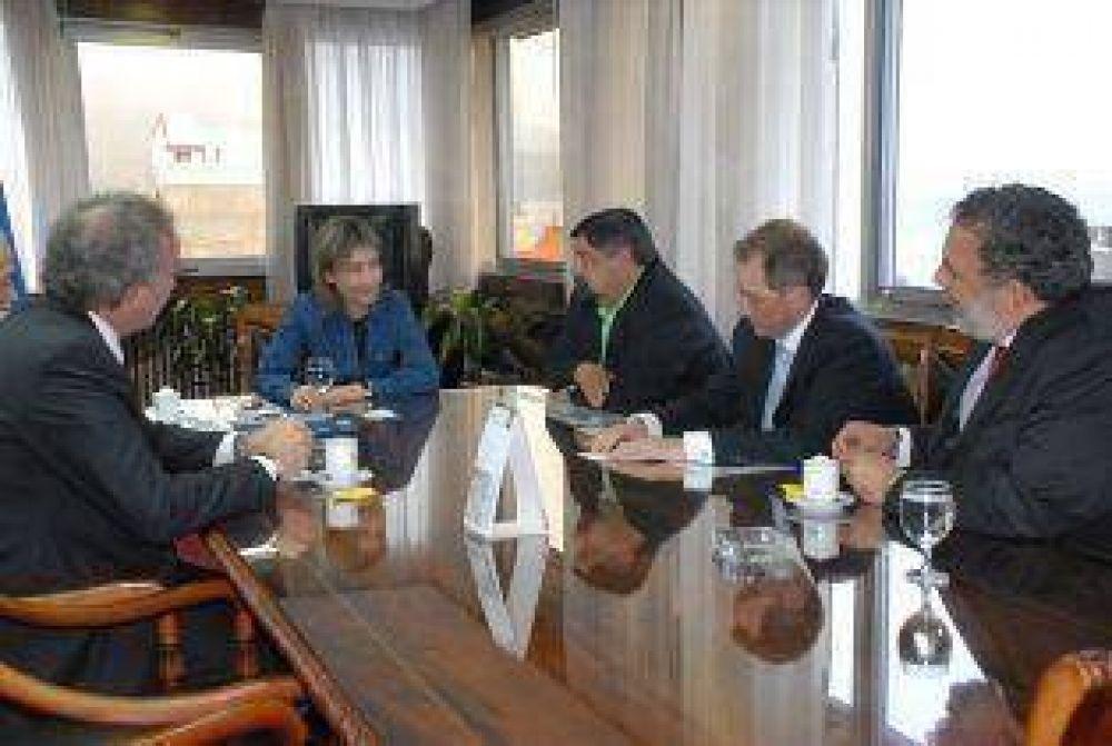 Gobierno aseguró que Repsol – YPF tiene interés de invertir en la provincia.