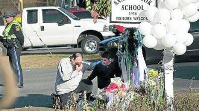 El asesino del colegio: la madre amaba las armas y le enseñó a su hijo a disparar