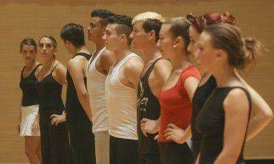 Cerca de mil actores y bailarines audicionaron para la Vendimia 2013 en el Centro Cultural Julio Le Parc