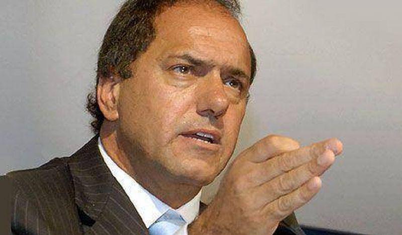 De lleno en la campaña, Scioli mete cizaña entre De Narváez y Solá